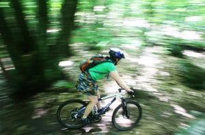 Efectele-pozitive-ale-mersului-pe-bicicleta1-300x197.jpg