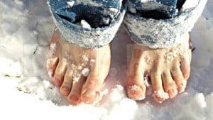 Cum ne protejam picioarele in timpul iernii