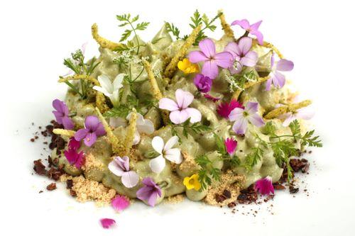Decorarea deserturilor cu flori de micsunea, Foto: playingwithfireandwater.com