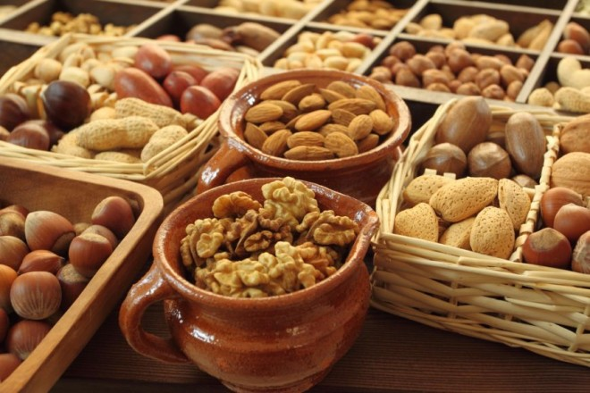 Migdale, alune, nuci si alte seminte, Foto: foodstory.ro