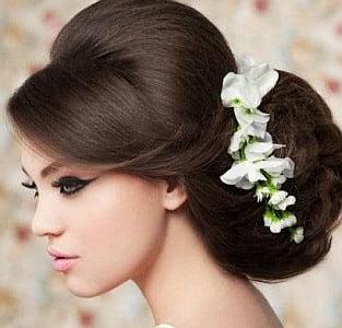 Coafura eleganta pentru par lung, Foto; hairstyletrends.biz