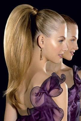 Coafura pentru tanara cu parul lung blond, Foto: hairstylesco.com
