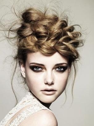 Coafura cu stil, romantic si modern, Foto:stylishshoesstore.com