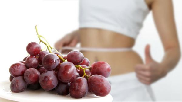 Dieta cu struguri te ajuta sa slabesti, Foto: sparklewomen.com