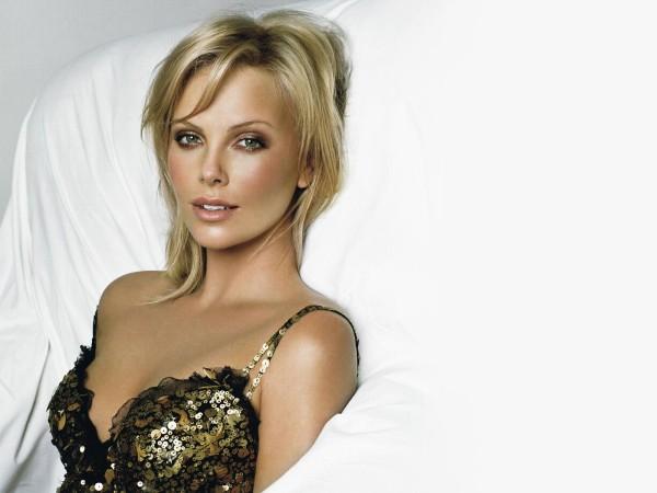 Nuanta eleganta de par la Charlize Theron, Foto: sortol.com