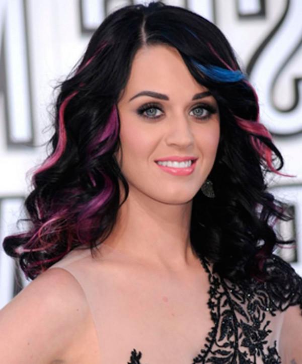 Suvitele de culori contrastante sunt in mare voga in 2013, Foto: hairstyletrends.biz