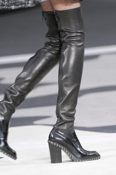 Cizme lungi, din piele, cu fermoar pentru femei, marca Chanel, Foto: thebestfashionblog.com