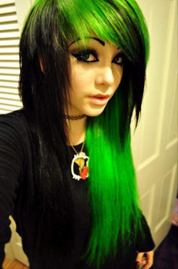 Coafura emo cu suvite de par in nuante de verde si negru, Foto: h4irstyles.blogspot.com