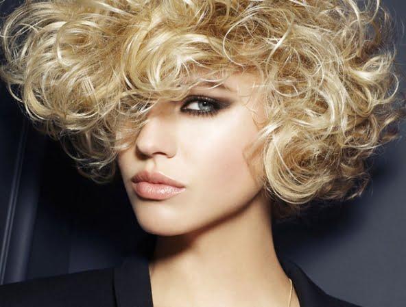 Coafura moderna in 2013-2014 pentru femei cu par cret, Foto: fashiongloss.com