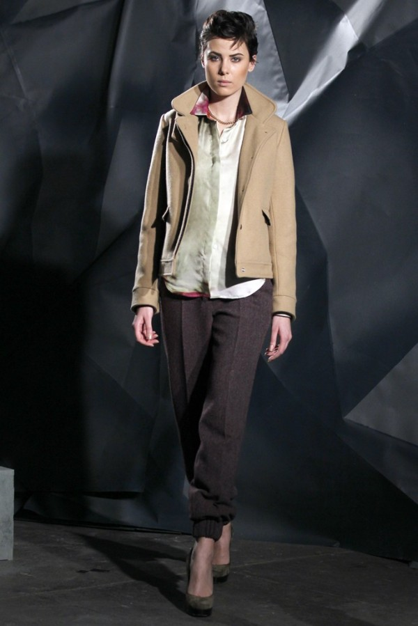 Pantaloni din stofa Victor&Sarah Lytvinenko, Foto: thebestfashionblog.com