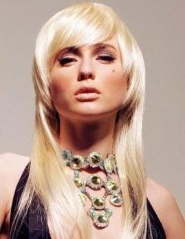 Tunsoare asimetrica pentru par lung si blond, Foto: m.vietgiaitri.com