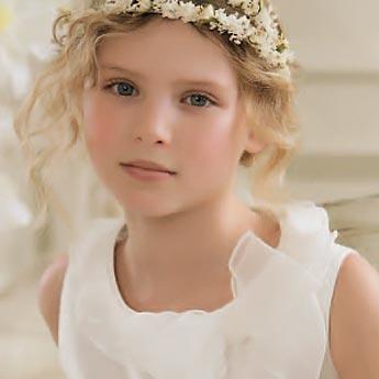 Coafura fina pentru fetite, Foto: modelatucabello.blogspot.ro