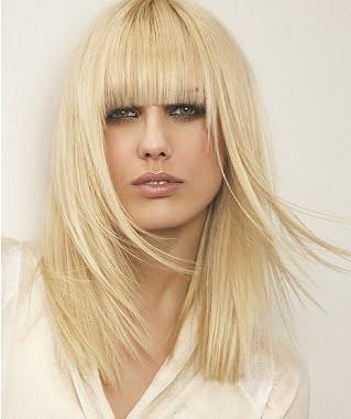 Coafura pentru femei cu parul lung si blond, Foto: besthairstylesforovalfaces.blogspot.ro