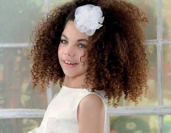 Coafura pentru fetita cu parul cret, Foto: modelatucabello.blogspot.ro