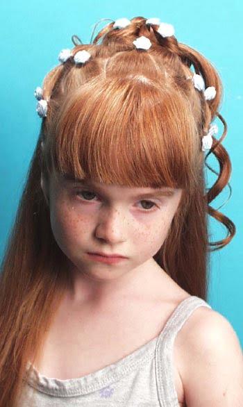 Coafura pentru fetita cu parul lung si roscat, Foto: modelatucabello.blogspot.ro