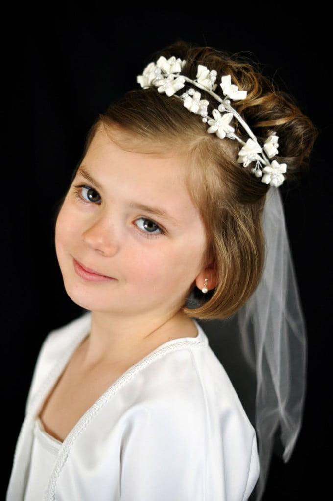 Coafura pentru fetita la nunta, Foto: modelatucabello.blogspot.ro