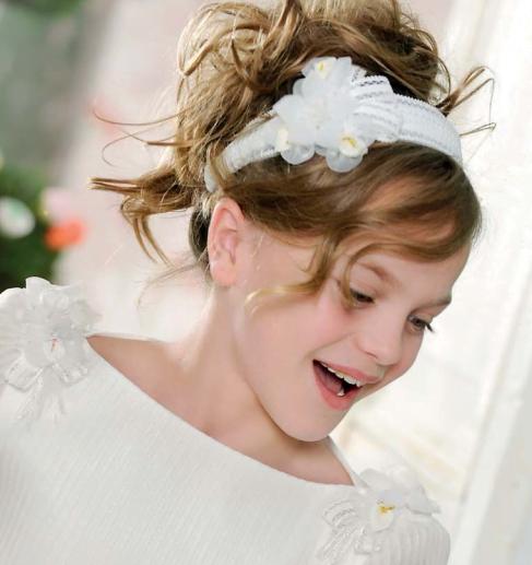 Coafuri Pentru Fetite La Diferite Ocazii Nunti Si Serbari Bodygeek