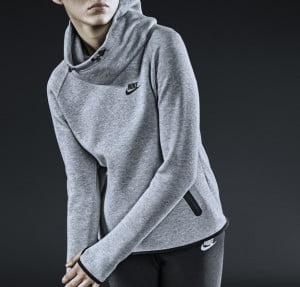 Hanorac Nike pentru femei, Foto: fresh-ambition.blogspot.ro