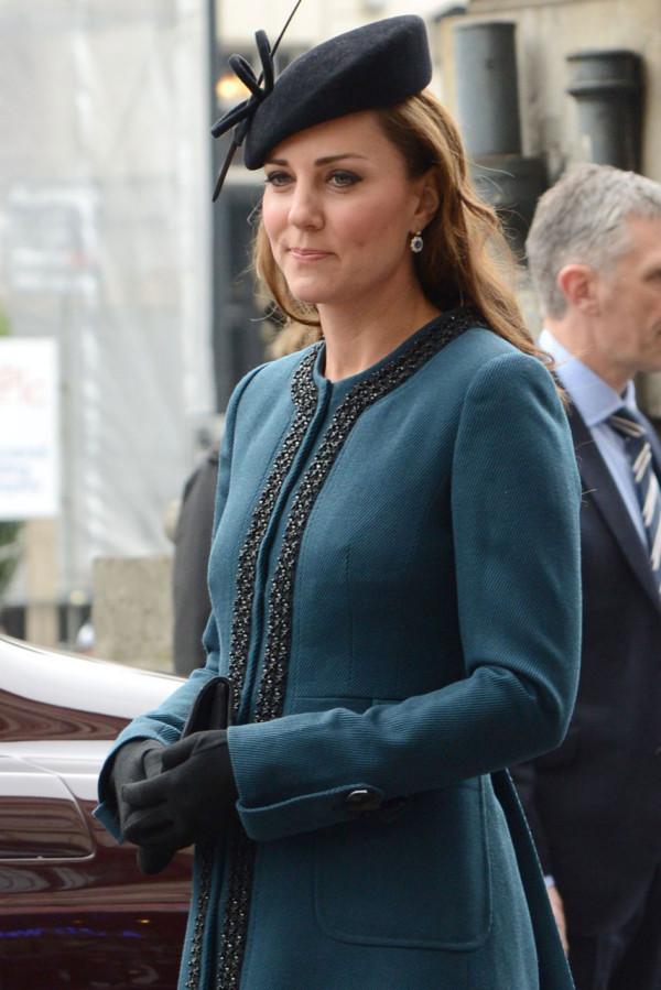 Palarie eleganta la Kate Middleton, Foto: mikarose.com