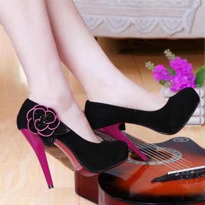 Pantofi cu toc inalt la moda in 2013, Foto: fashiontrends11.blogspot.ro