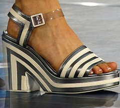 Pantofi marca Chanel, Foto: shoerazzi.com