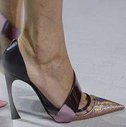 Pantofi marca Christian Dior, Foto: shoerazzi.com