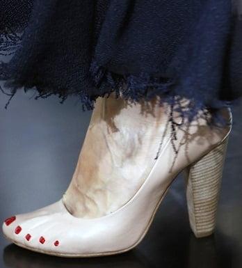 Pantofi pentru femei marca Céline, Foto: shoerazzi.com