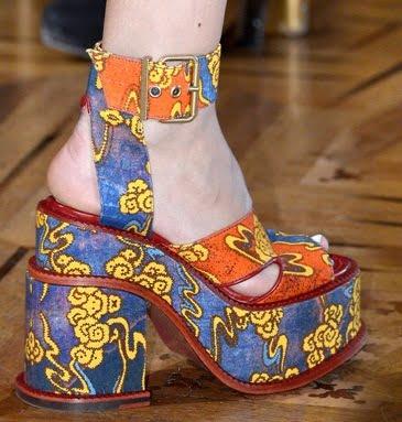 Pantofi pentru femei marca Vivienne Westwood, Foto: shoerazzi.com
