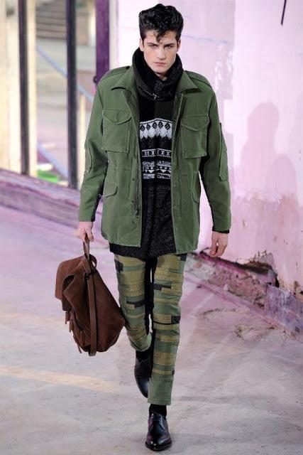 Rucsac marca Phillip Lim la moda in iarna anului 2013-2014, Foto: blog.buzzjeans.com