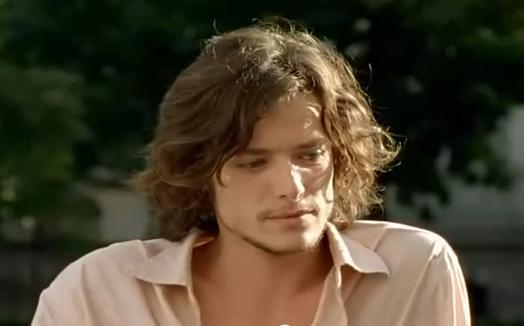 Tunsoare cu breton la actorul Xavier Lafitte