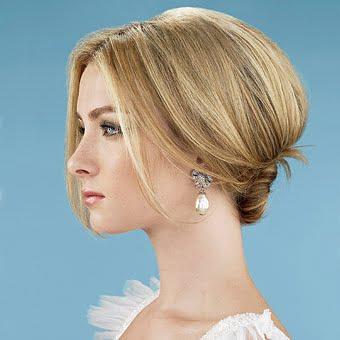 Coafura fina pentru rochie de seara, Foto: newcool-hairstyles.net