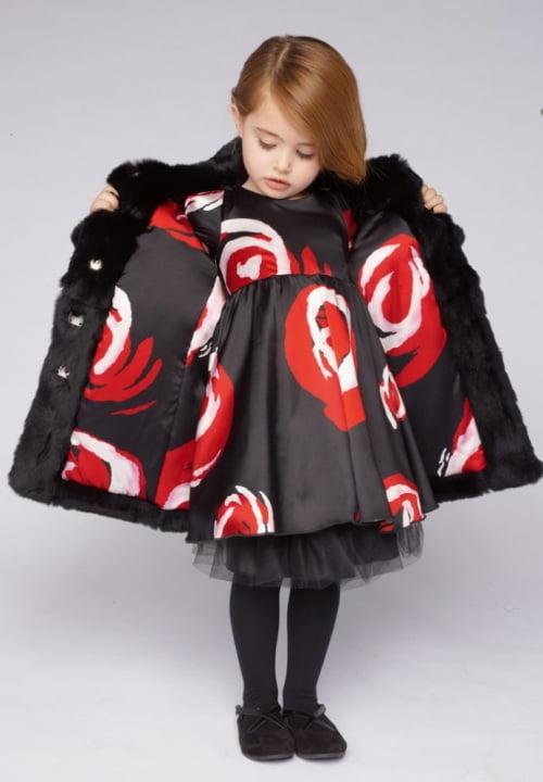 Palton si rochita asortata, Foto: arab47.com
