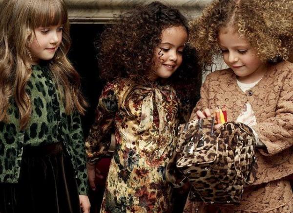 Rochite pentru fetite pentru iarna, marca Dolce & Gabbana, Foto: fun-yari.blogspot.ro