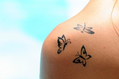 Tatuaj cu fluturi, Foto: fashionstyleonsundays.blogspot.ro
