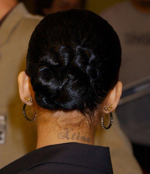 Tatuaj pentru gat la spate, Foto: fashionstyleonsundays.blogspot.ro
