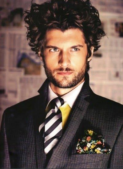 Tunsoare pentru barbati cu parul ondulat, Foto: modelatucabello.blogspot.ro