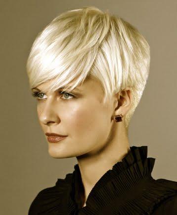 Coafura eleganta pentru femei blonde, Foto: direct-hairstyles.com