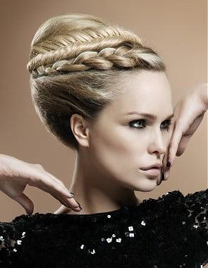 Coafura eleganta pentru femei, Foto: peinadosysolopeinados.blogspot.ro
