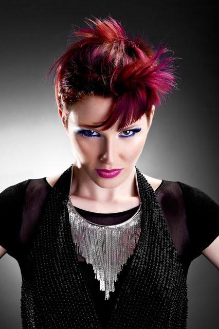 Coafura moderna pentru femei, Foto: direct-hairstyles.com