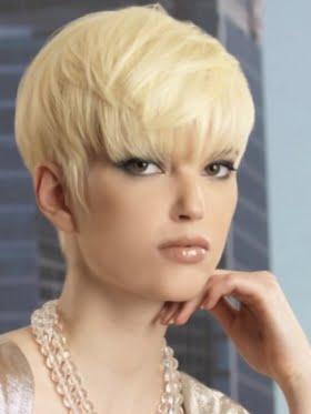 Coafura pixie cu volum pentru par blond, Foto: direct-hairstyles.com