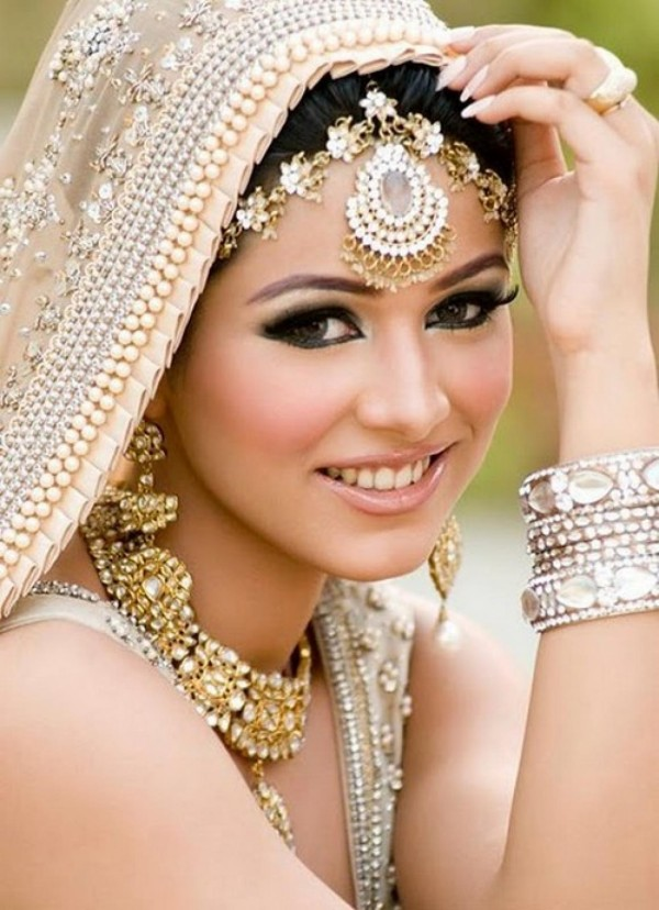 Machiaj pentru nunta in stil oriental, Foto: debsbookreviews.blogs