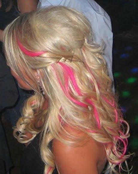 Moda la coafuri cu bucle in stil Barbie, Foto: thebestfashionblog.com