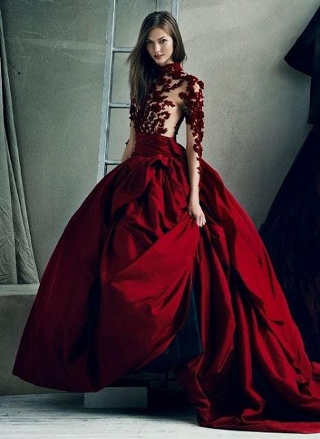 O rochie rosie superba pentru Ziua Indragostitilor, Marchesa, Foto: evolutionvtg.blogspot.ro