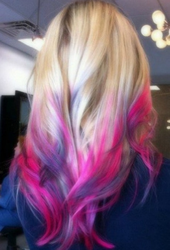 Parul vopsit in nuante diferite de albastru si roz, Foto: thebestfashionblog.com