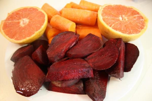 Sucul de morcovi, grapefruit si sfecla rosie este foarte sanatos, Foto: juicedalive.blogspot.ro