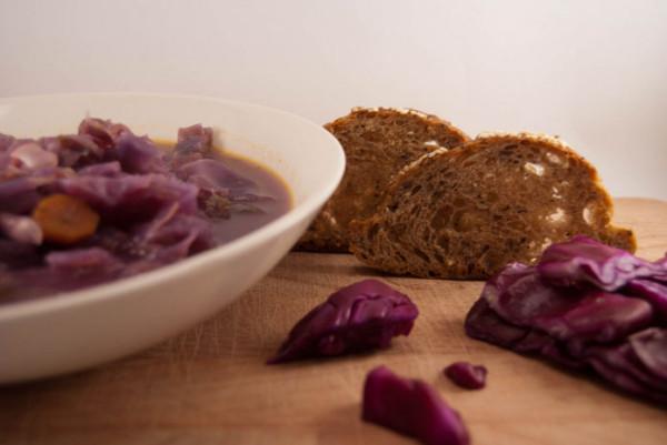 Supa de varza rosie , Foto: lacuisineitalienne.fr