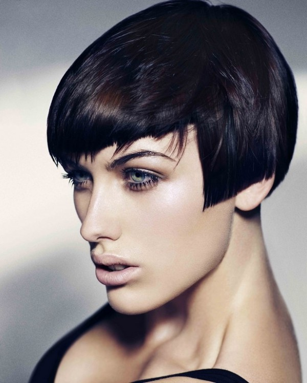 Tunsoare scurta asimetrica la moda in 2014, Foto: hairstyles-galaxy.com