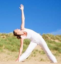 Yoga, pozitia semilunii, Foto: womenfitness77.blogspot.ro