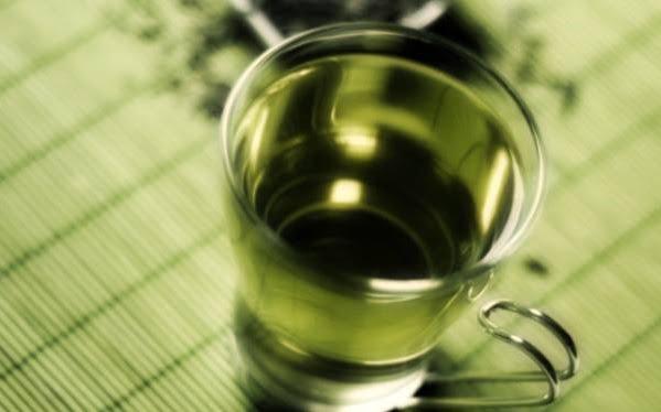 Ceai din frunze de mesteacan, Foto: langolodellafitoterapia.blogspot.ro