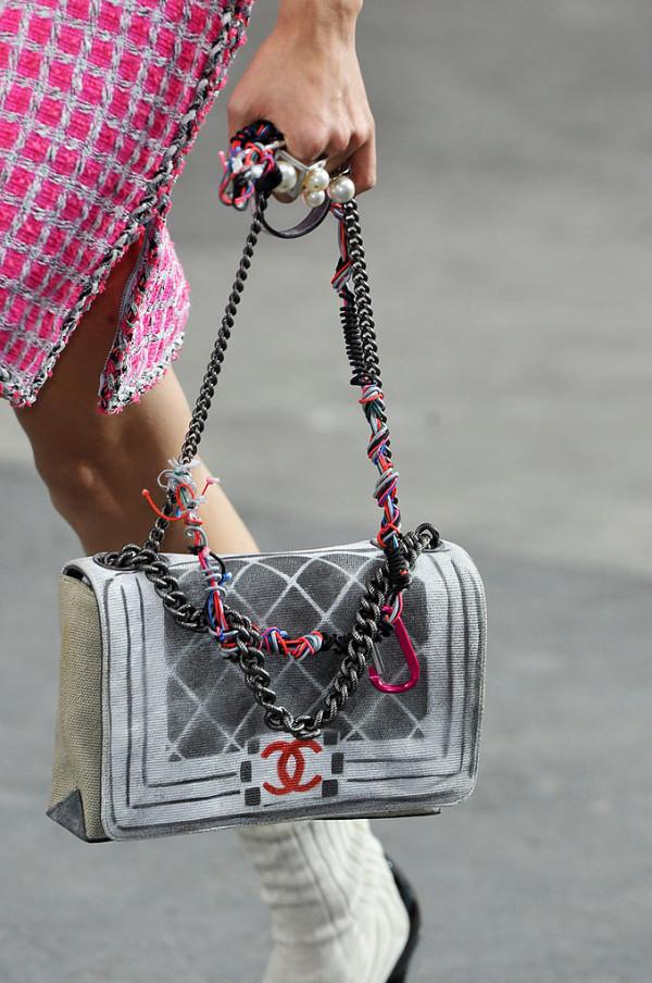 Geanta Chanel la moda in anul 2014, Foto: fashionologie.com